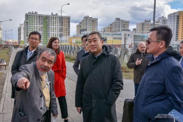 Для гостей из Поднебесной провели экскурсию по самому перспективному району Екатеринбурга.