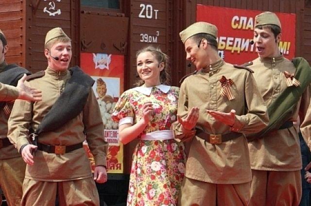Ростовчан и гостей города ждут театрализованные представления и выступления творческих коллективов.