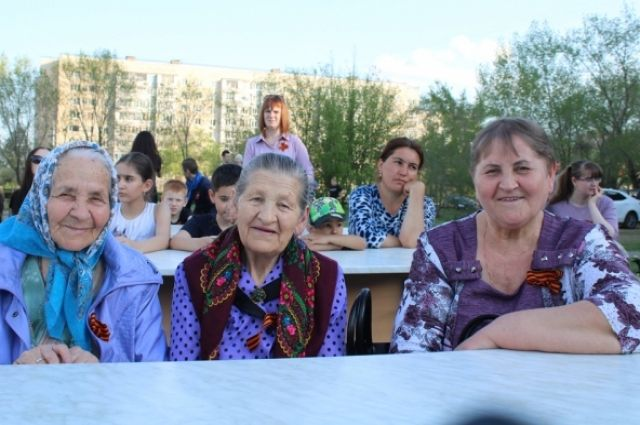 В канун 9 Мая большой праздник состоялся на площадке у дома на улице Чкалова, 70.