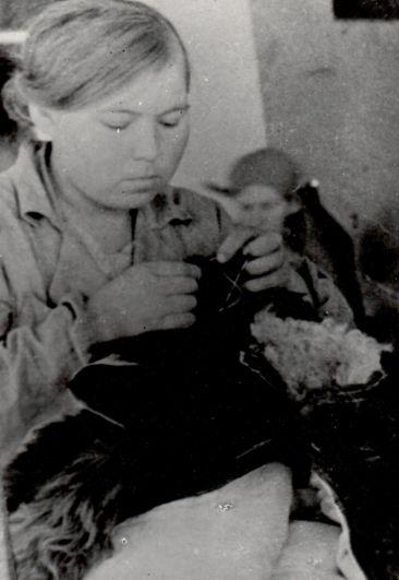 Пошив шуб для красноармейцев в Ручевской промартели, 1941 г.
