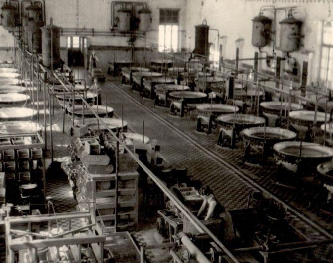 Женщины заменили мужчин на химическом заводе Ухтокомбината, 1944 г.