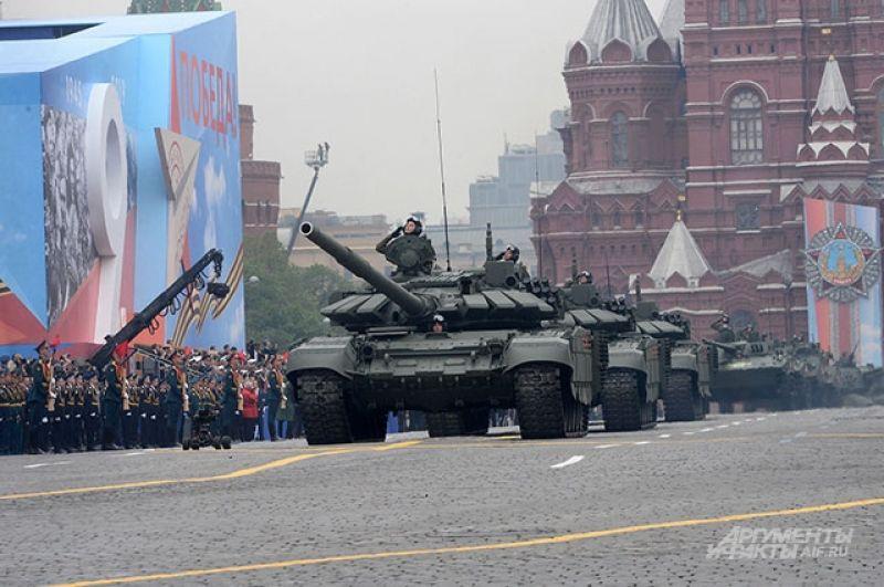 Колонна танков Т-72Б3.