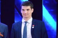В этом году спаситель ребят Антон Митраков из посёлка Красный берег Октябрьского района оканчивает 11-й класс.
