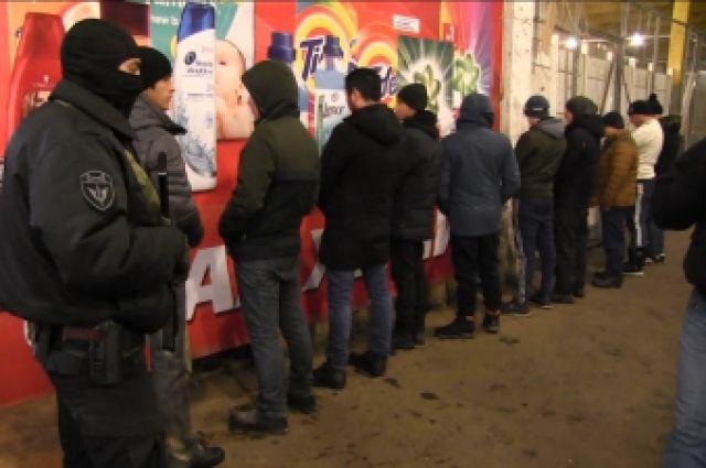 Ямальские полицейские задержали нелегала, который по ночам плавил металл