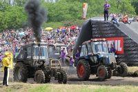 За всю историю состязаний в «Бизон-Трек-Шоу» приняли участие более 300 механизаторов.