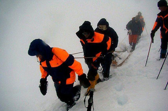 Спасатели обследовали территорию, позволяющую работать с 3-хметровыми щупами.