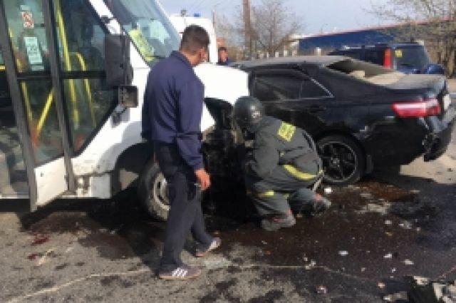В ДТП пострадали девять человек.