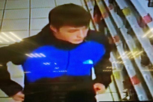 В Оренбурге полицейские ищут «конфетного вора»