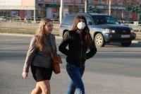По словам врача, маски и различные фильтры в нос не помогут.