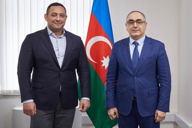 Дружеская встреча Видади Мустафаева с генеральным консулом Азербайджанской республики в Екатеринбурге Ильгаром Искендеровым.
