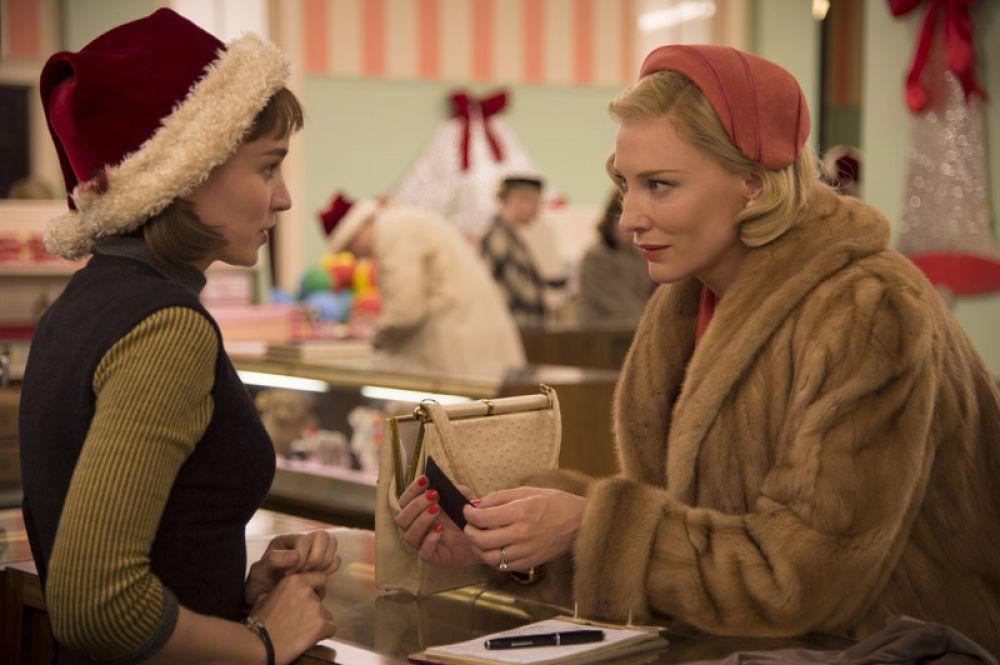 В 2014 году вместе с Руни Марой снялась в романтической драме «Кэрол» о любви молодой девушки и замужней женщины.