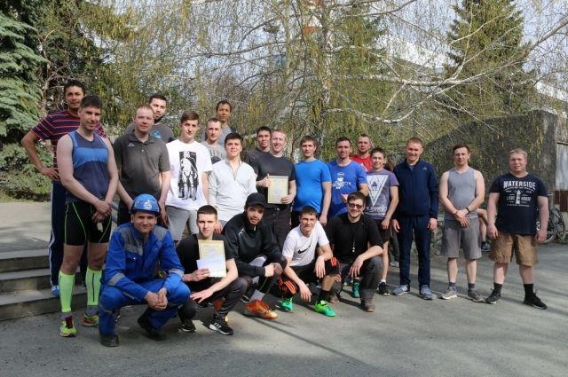 Участники легкоатлетической эстафеты.