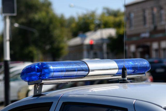 В Оренбурге пьяный водитель «Лады» врезался в забор, уходя от погони
