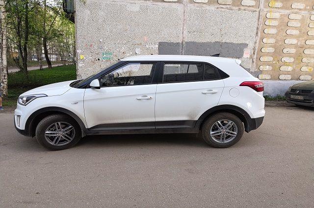 Автомобиль Hyundai, за рулём которого находился 49-летний водитель, в зоне действия знака «Пешеходный переход», сбил 35-летнего мужчину, который шёл во встречном направлении