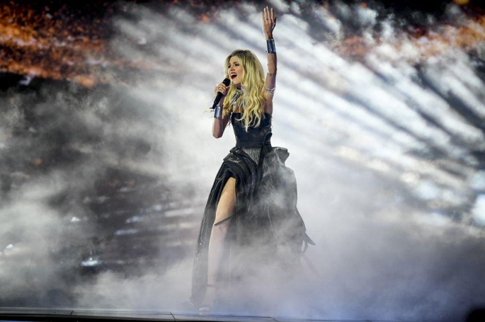 Сербию представит Невена Божович, ранее принимавшая участие в конкурсе. Ее песня называется «Crown». В 2013 году она выступала на «Евровидении» в составе группы Moje 3.