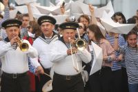 Николай Чудотворец – покровитель морских походов, отсюда и морская тема на фестивале.