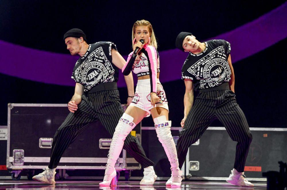 Представительница Белоруссии 16-летняя ZENA (Зина Куприянович) является самой молодой участницей «Евровидения-2019». Она выступит с песней «Like It».