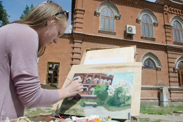 Художники из семи стран мира будут, как и Виктор Лосев работать на улицах Волгограда.