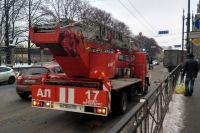 Скорые и пожарные пропускать нужно.