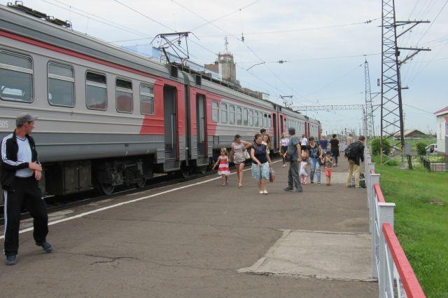 Дополнительные поезда отправятся в Адлер.