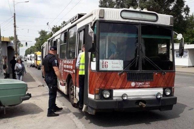 Пенсионерка стала жертвой наезда троллейбуса в Днепре