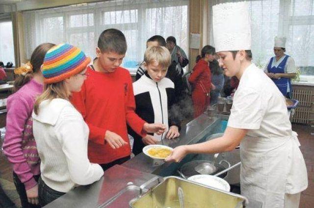 Когда в школах введут единый стандарт питания?