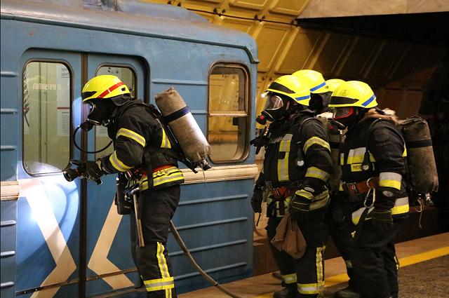 Спасатели ликвидировали возгорание в метро города Днепр.