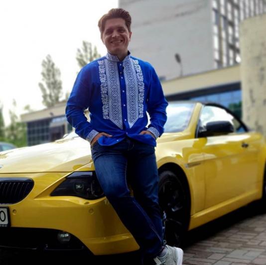 Анатолий Анатолич также порадовал подписчиков снимком в вышиванке
