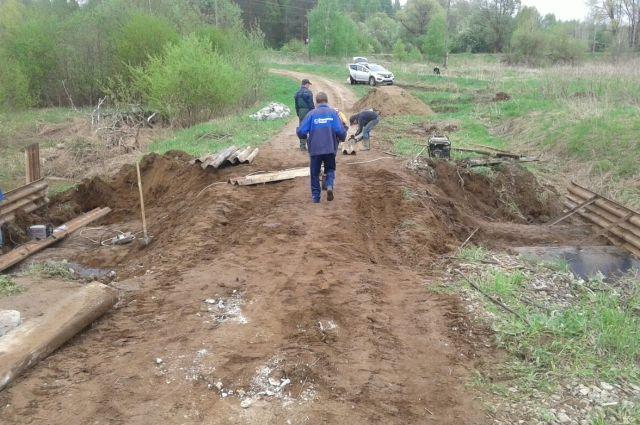 В Воткинском районе обрушился автомобильный мост