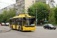 В Оболонском районе Киева произошла драка между водителями троллейбуса и маршрутки.