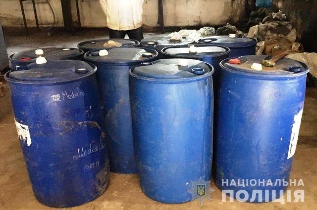 В Запорожской области обнаружили две тысячи литеров контрафактного спирта