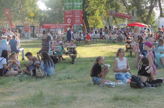 Летом остров пользуется большой популярностью у красноярцев.