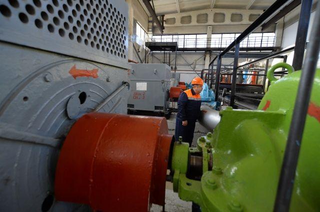 В городке нефтяников в Омске тепловые сети испытают на надёжность
