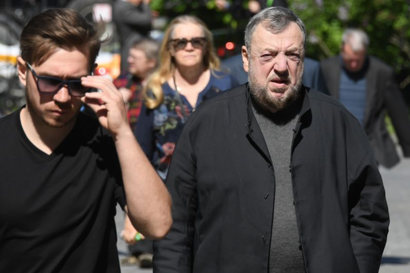 Режиссер Павел Лунгин (справа).