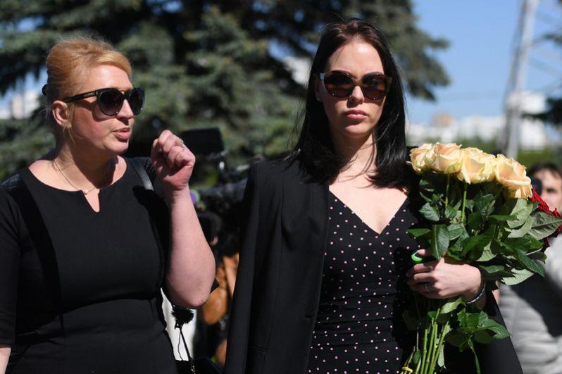 Дочь Сергея Доренко Ксения (справа).