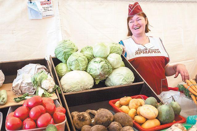 Фермер Марина Ивановна приезжает в Кунцево на ярмарку уже 12 лет подряд.