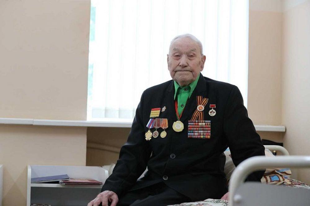 Фронтовик Максим Иванович Шпицин получил от премьера приглашение на празднование 75-летия Великой Победы.