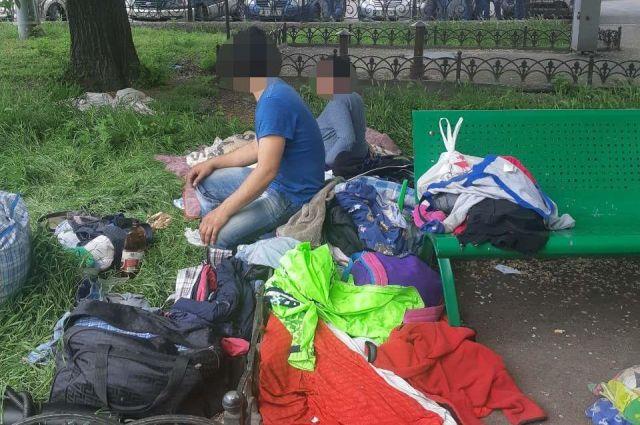 Полицейские забрали детей у многодетной семьи цыган в Одессе