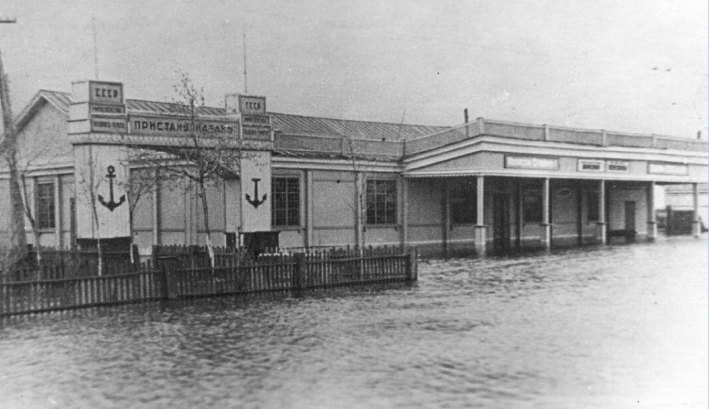 Пассажирская пристань на Дальнем Устье в 40-50-х годах