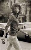 """""""Единственное правило для меня - не следовать правилам"""" - таким был жизненный девиз Жаклин Кеннеди и такой она осталась в нашей памяти - дерзкой, активной и при этом - до безумия любящей. Детей, супруга и свою жизнь."""