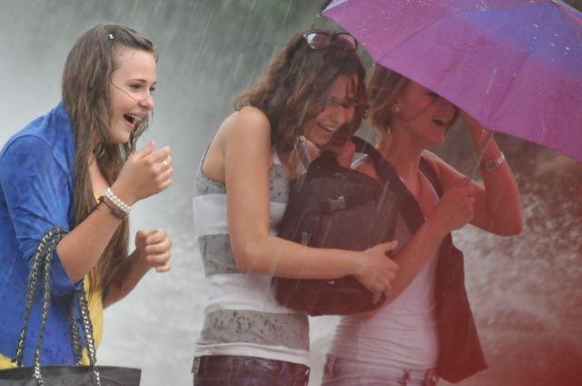 По области ожидаются дожди различной интенсивности, грозы, местами град.