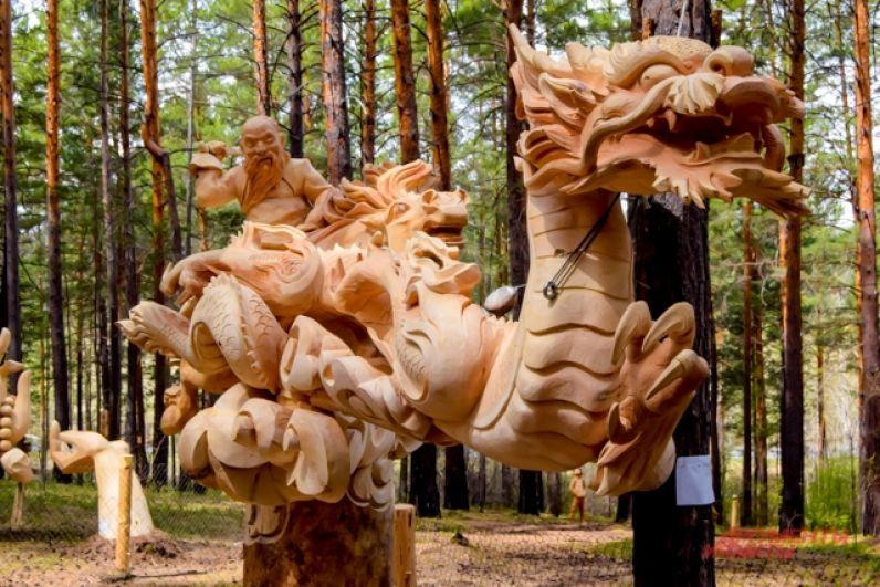 Монгольские мастера заняли третье место со скульптурой «Непокорный старик»