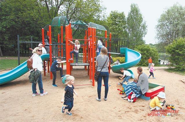 В заказнике «Долина реки Сетунь» обустроены детские и спортивные площадки, прогулочные дорожки и лавочки.