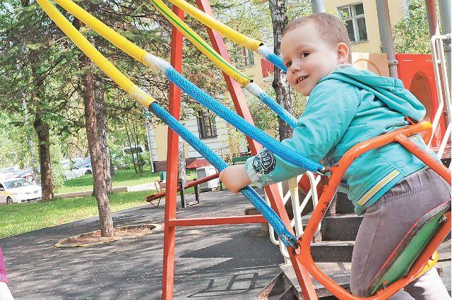 Детская площадка на Аэрофлотской улице.