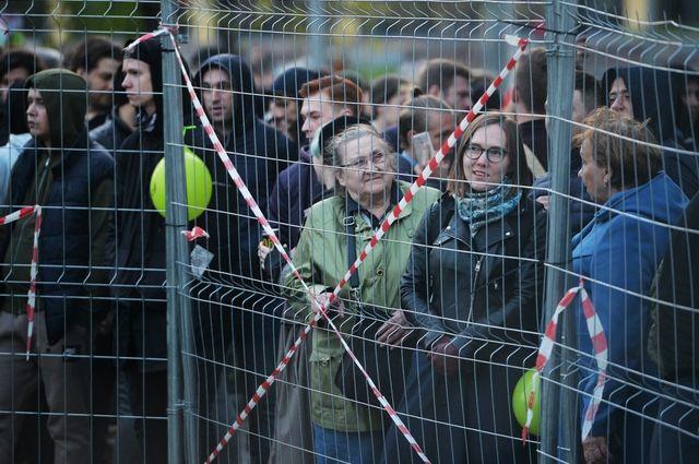 В Екатеринбурге демонтируют забор на месте строительства нового храма