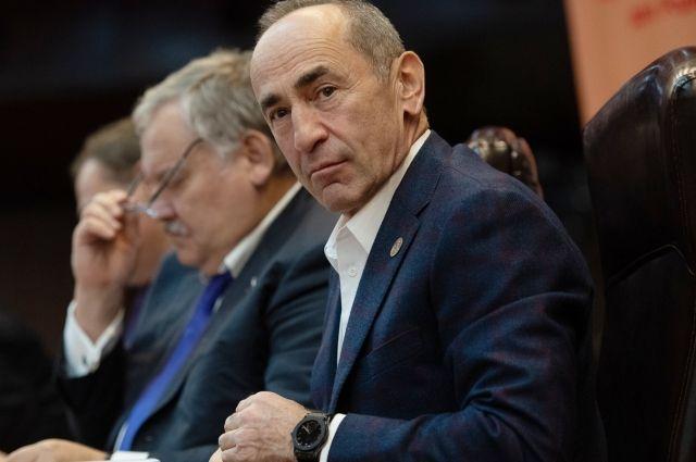 Суд в Ереване передал дело экс-президента Кочаряна в КС