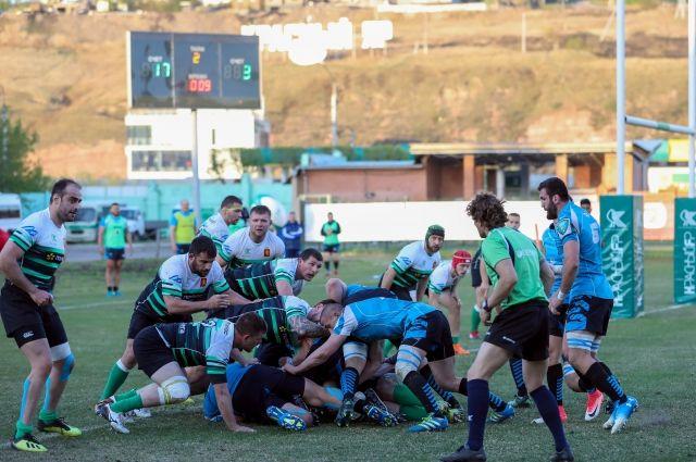 За первое место боролись две красноярские команды.
