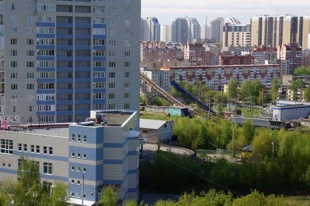 Чаще всего россиянам хамят в магазинах и на рынках (38%), в точках общественного питания (23%), на улице (19%), в транспорте (16%) и в муниципальных учреждениях (4%).
