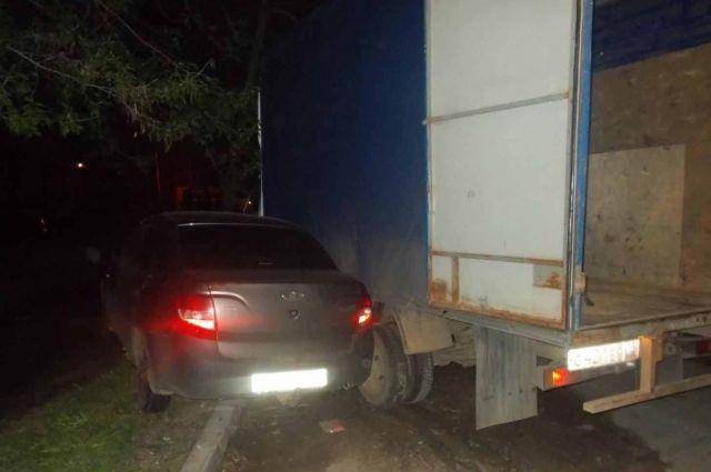 Пьяный житель Ижевска без прав протаранил 5 машин на угнанной «Газели»