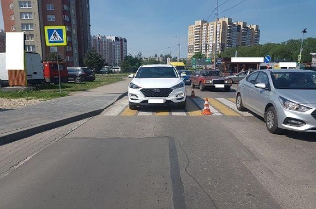 В Калининграде на пешеходном переходе сбили женщину